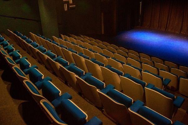 Théâtre Le Caveau